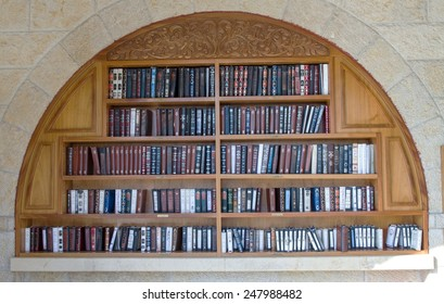 Jerusalem , Israel - January 22, 2015 : Shelves with religious literature in the synagogue next to the Wailing Wall in Jerusalem.