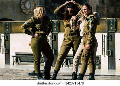 Israel Army Girls Images, Stock Photos & Vectors | Shutterstock