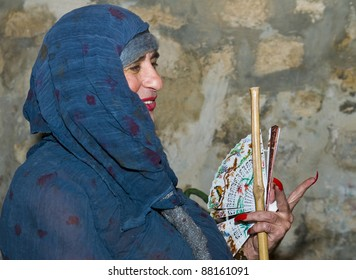 JERUSALEM - NOV 03 : An unidentified Israeli actor performs in the annual medieval style knight festival held in the old city of Jerusalem on November 03, 2011