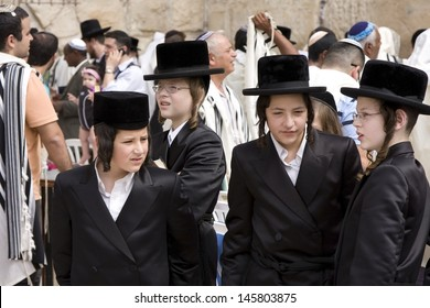 JERUSALEM-OCT 02: Unidentified orthodox  Jews  at the Western Wall during Jewish holiday of Sukkot, October 2, 2012 in Jerusalem, Israel.