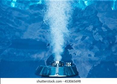jetstream in swimmingpool