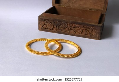 Jewellery - Gold Bangles with wodden box