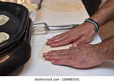 jewish food mimuna mufleta making