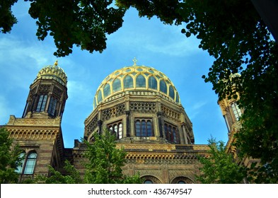 jewish synagogue in city of berlin with blue sky