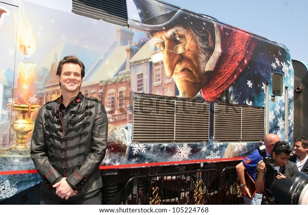Jim Carrey Christmas Carol.Jim Carrey Disneys Christmas Carol Train Stock Photo Edit