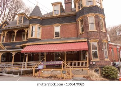 Jim Thorp, PA / USA - March 30, 2019: Defeo's Manor B&B i Jim Thorp, PA