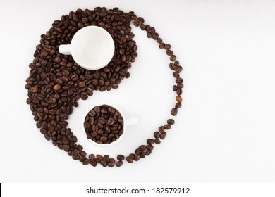 Jing jang sign made of coffee beans