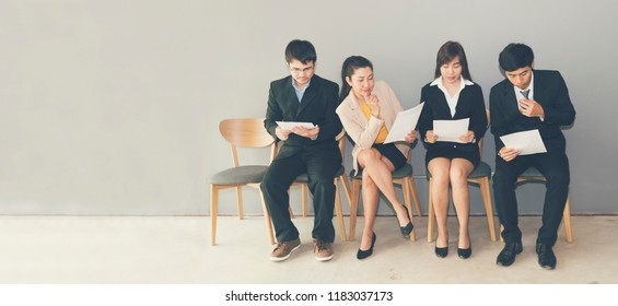 Job Interview concept.  Hiring Candidate prepare Questions and Best Answers for Interviewing with Human Resource Manager. Head hunter company with confident applicant waiting interview   recruitment.