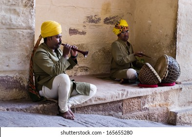 JODHPUR, INDIA - SERT 20: Indian musicians in traditional dress playing musical instruments in Meherangarh fort, on Sept 20, 2013 in Jodhpur, India