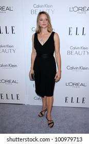 Jodie Foster at the  17th Annual Women in Hollywood Tribute, Four Seasons Hotel, Los Angeles, CA. 10-18-20