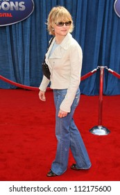 """Jodie Foster at the World Premiere of """"Meet the Robinsons"""". El Capitan Theater, Hollywood, CA. 03-25-07"""