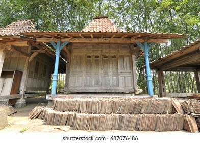 Joglo limasan, java traditional house