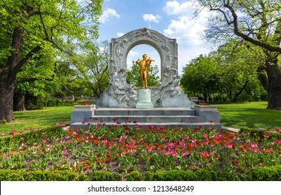 Johann Strauss monument in Stadtpark, Vienna, Austria