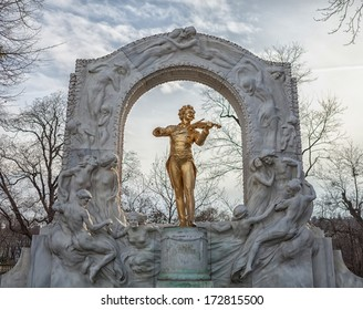 Johann Strauss statue at Stadpark - Vienna, Austria. Shallow depth of field.
