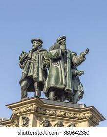 The Johannes Gutenberg monument on the southern Rossmarkt (1854 - 1858, by sculptor Eduard Schmidt von der Launitz). Johannes Gutenberg - inventor of book printing. Frankfurt am Main, Germany.