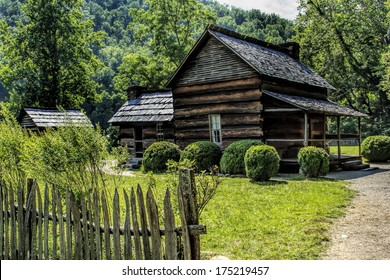 The John Davis cabin was built in 1900 in the Great Smoky Mountains National Park. The cabin was constructed with matched chestnut logs joined with dove-tail notches.