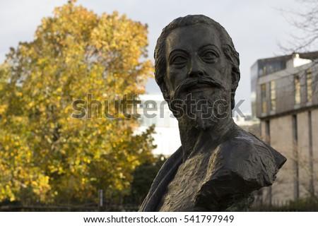 John Donne bust Outside