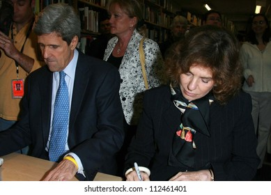 "John Kerry and Teresa Heinz Kerry at an instore event to promote the new book ""This Moment on Earth"". Duttons Brentwood, Los Angeles, CA. 04-04-07"