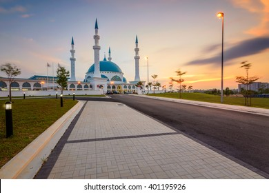 JOHOR BAHRU, MALAYSIA - 30 MARCH 2016: Bandar Dato Onn Mosque Building during sunset in Johor Bahru, Malaysia on 30th March 2016.