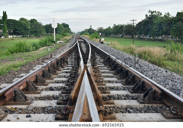 A join to single main railway.