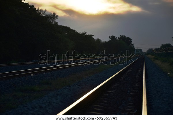 A join to single main railway.
