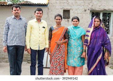 Joint family in rural village Salunkwadi, Ambajogai, Beed, Maharashtra, India, Southeast Asia