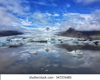 The Jokulsarlon Glacier in southern Iceland protrudes out to the North Atlantic Ocean/Jokulsarlon Glacier, Iceland/The Jokulsarlon Glacier covers a large part of the country of Iceland