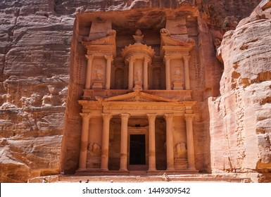 Jordan, Petra, the first glimpse when you enter Petra, the Nabatean mausoleum Al-Khazneh or the Treasure.