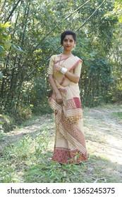 Jorhat, India. 10th April 2019. Assamese girl in traditional silk attire during Bihu festival of Assam.