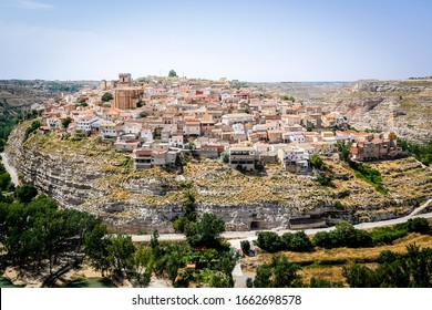Jorquera town between the sickles of the Jucar river