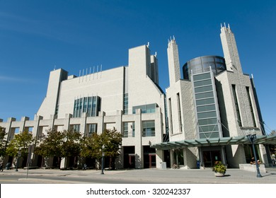 Joseph Stauffer Library at Queen's University - Kingston - Canada