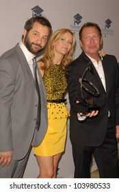 Judd Apatow, Leslie Mann and Garry Shandling at the Fulfillment Fund Annual Stars 2009 Benefit Gala,, Beverly Hills Hotel, Beverly Hills, CA. 10-26-09