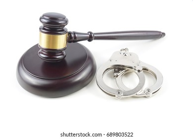 Judgement Law Concepttual : Gavel and Handcuffs