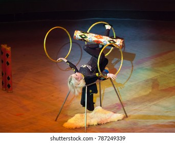 juggler performance in the circus