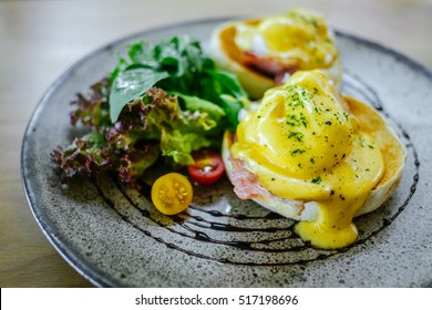 Juicy Egg Benedict Brunch