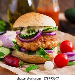 Juicy spicy chicken burgers to Asian-style - sandwich
