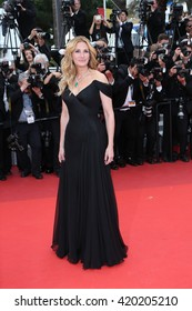 Julia Roberts  attends the screening of 'Money Monster' at the annual 69th Cannes Film Festival at Palais des Festivals on May 12, 2016 in Cannes, France.