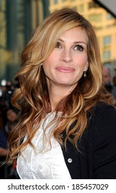 Julia Roberts at The Film Society of Lincoln Center's 36th Gala, Alice Tully Hall, New York, NY April 27, 2009