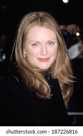 Julianne Moore at the New York Film Critics Circle Awards, NYC, 1/12/2003