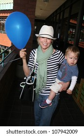 Julie Bowen and son Oliver  at the Playroom's First Birthday Party. The Playroom, Sherman Oaks, CA. 05-28-08