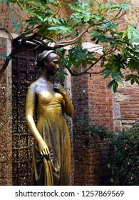 Juliet statue in Verona, Italy. October 2017