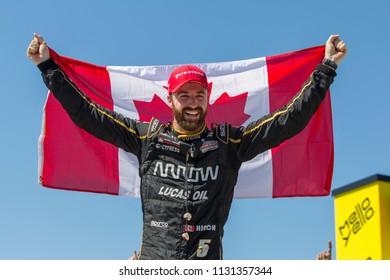 July 08, 2018 - Newton, Iowa, USA: JAMES HINCHCLIFFE (5) of Canada wins the Iowa Corn 300 at Iowa Speedway in Newton, Iowa.