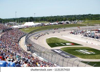 July 08, 2018 - Newton, Iowa, USA: The Verizon IndyCar teams take the green flag for the track for the Iowa Corn 300 at Iowa Speedway in Newton, Iowa.