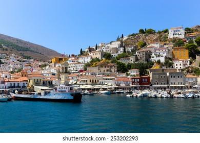 july. 10 2014 - Beautiful Houses at Hydra island - Greece