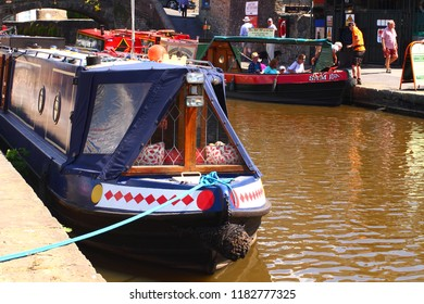 July 11th 2018 - Skipton, Yorkshire. Barge on the Leeds Liverpool canal in Skipton, Yorkshire. Editorial