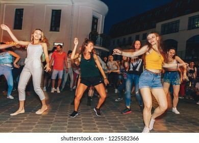 July 21, 2018 , Minsk,Belarus Street walks A group of people dancing on a square in front of a group of people