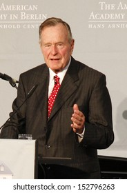"JULY 3, 2008 - BERLIN: Former US President George Bush sen. after having received the ""Kissinger Prize"" in the American Academy, Berlin-Wannsee."