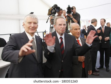 "JULY 3, 2008 - BERLIN: Otto Schily and others t the award ceremony of the ""Kissinger Prize"" in the American Academy, Berlin-Wannsee."