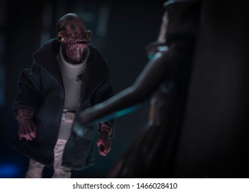 JULY 30 2019: Star Wars Admiral Ackbar having a clandestine meeting with an informant - Hasbro action figures