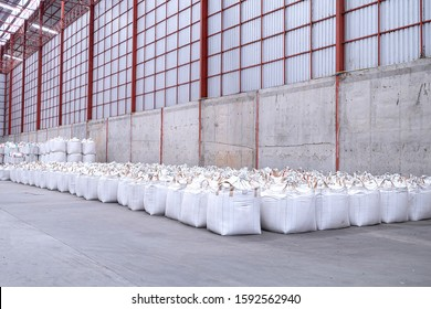 Jumbo bags of rice Is a rice storage system And easy to transport and count.